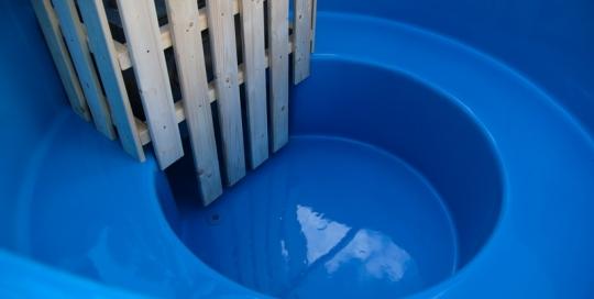 Fiberglass wooden hot tub with internal heater - inner view