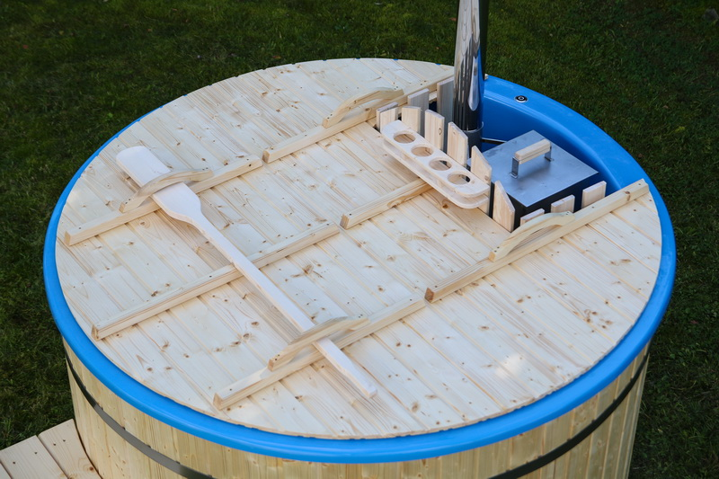 Fiberglass wooden hot tub with internal heater