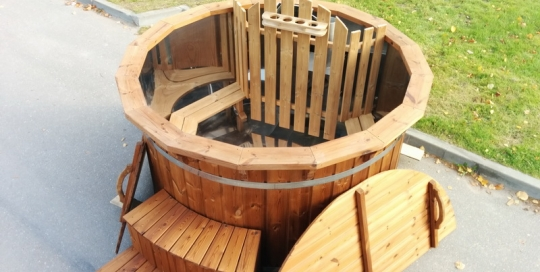 Stainless steel wooden hot tub with cover