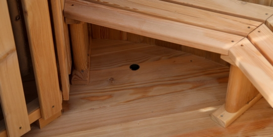 Larch hot tub with internal heater -0044