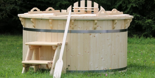 Wooden hot tub form manufacturer in UK