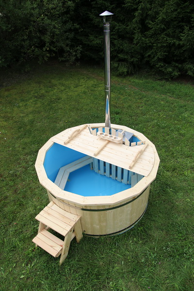 Polypropylene wooden hot tub with stairs in garden