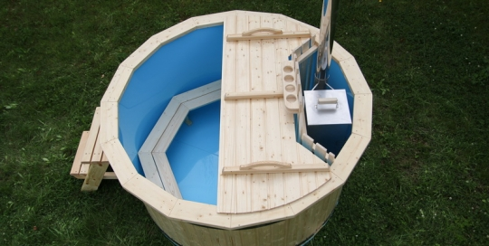 New polypropylene wooden hot tub with internal heater